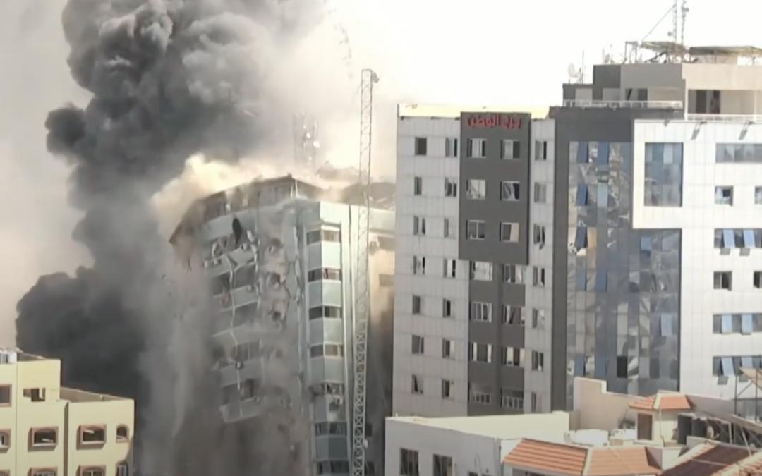INTERVISTA. Sawfat Kahlout, giornalista di Al Jazeera, ci racconta la distruzione della torre al Jalaa